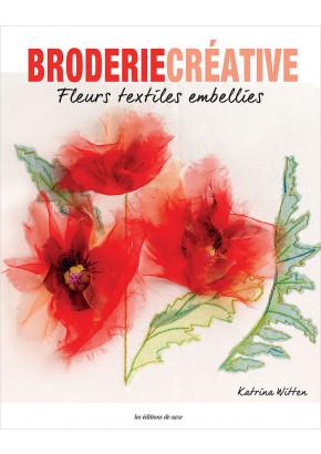 Fleurs textiles embellies aux éditions de saxe